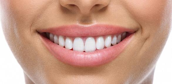 Гигиена полости рта илечение кариеса вклинике Smile Clinic