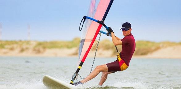 Базовые занятия повиндсерфингу отсерфинг-клуба «Глаз ветра»