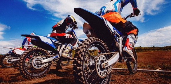 Катание намотоцикле или питбайке отклуба DraivTur
