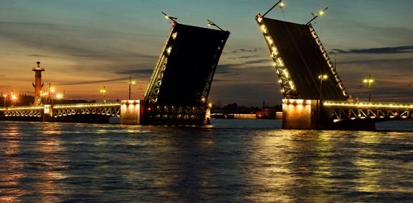 Ночная экскурсия кразводным мостам натеплоходе откомпании «Ирбис»
