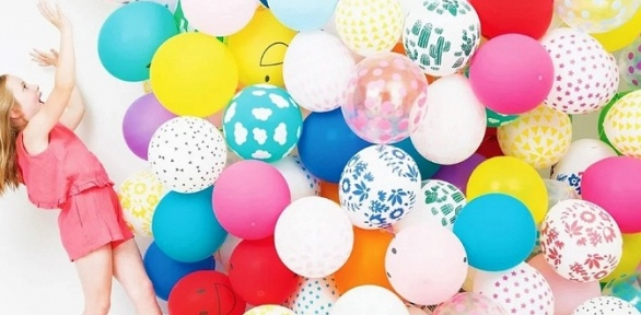 Гелиевые шары собработкой или композиции изгелиевых шаров