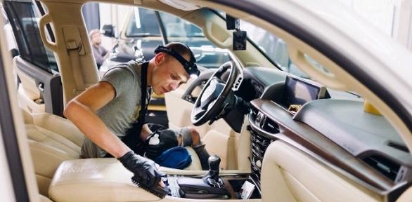 Химчистка или полировка автомобиля вцентре HotWheels