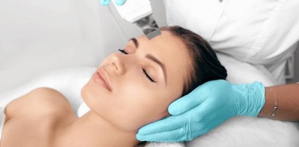 УЗ-чистка, лазерный карбоновый пилинг лица вцентре молодости Jolie Сinic