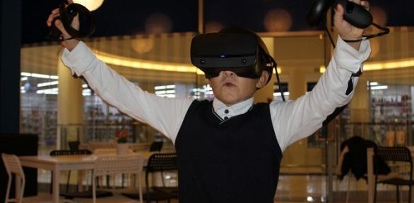 Погружение ввиртуальную реальность вклубе PIXEL