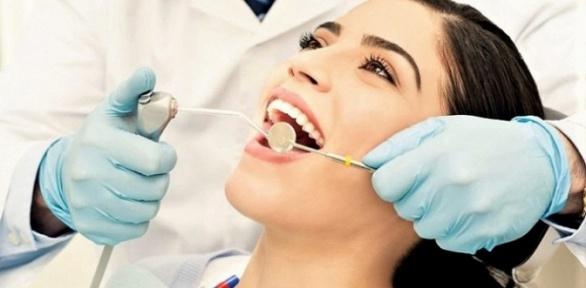 Чистка зубов встоматологии Diamond Smile