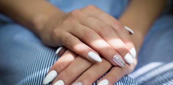 Маникюр ипедикюр спокрытием ногтей гель-лаком вкабинете «Ноготки33»