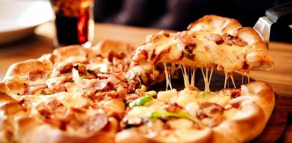 Пицца диаметром 30сантиметров отслужбы доставки Self Pizza заполцены
