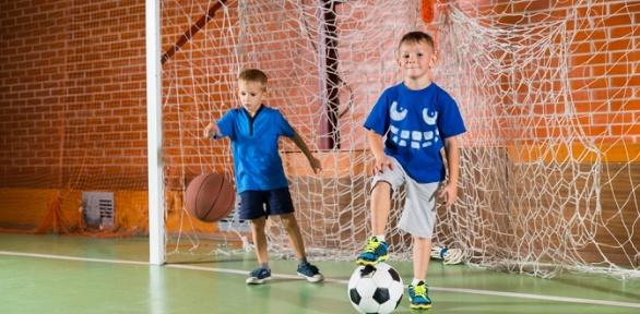 Занятия футболом для детей вшколе федерации футбола