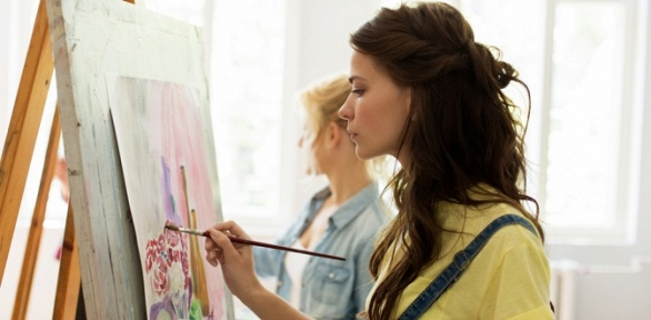 Занятия живописью, квиллингом, витражной росписью отцентра Come and Talk