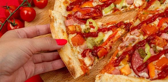 Пицца диаметром 30см отслужбы доставки «Точно!Пицца» заполцены