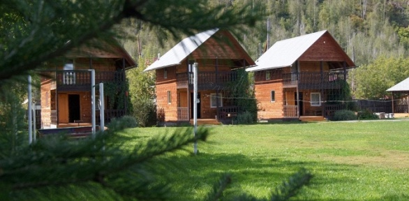 Отдых вГорном Алтае наберегу озераАя втуркомплексе «Подворье»