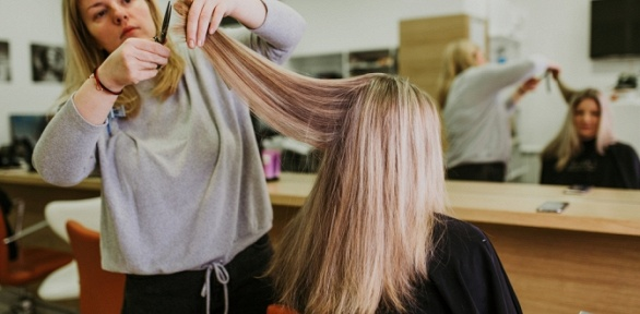 Стрижка, укладка, окрашивание иуход всалоне «Твой парикмахер +»