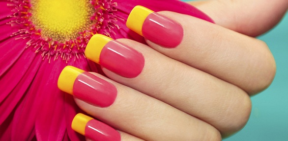 Маникюр и педикюр в Nails & Beauty Salon Apriori