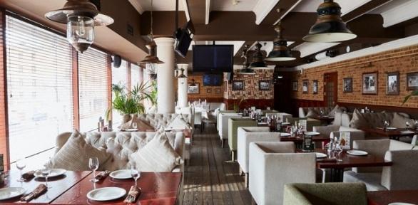 Блюда меню вдвух ресторанах «Темпл Бар» заполцены