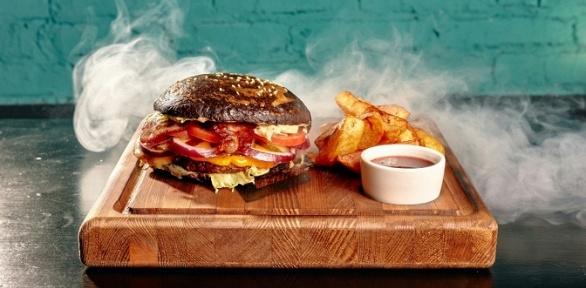 Отдых сбургерами, картофелем, паровым коктейлем влаундж-баре Mansion