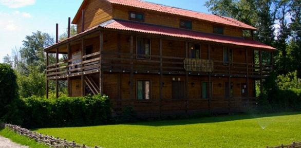 Отдых наберегу озера для двоих взагородном комплексе «Ранчо»