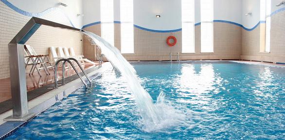 Отдых спитанием, посещением бассейна исауны вкомплексе «Голицын Клуб»