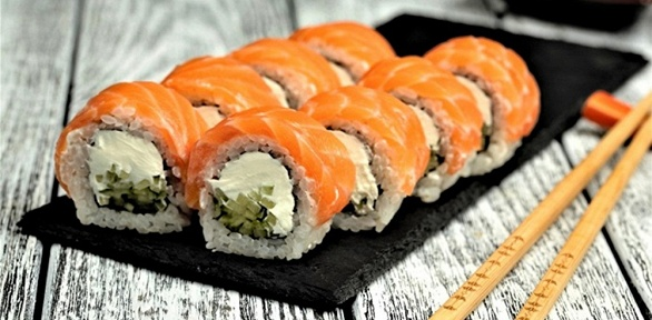 Сеты изроллов исуши отресторана доставки Katana Sushi