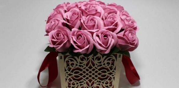 Букет ароматных вечных роз измыла ручной работы вкоробке
