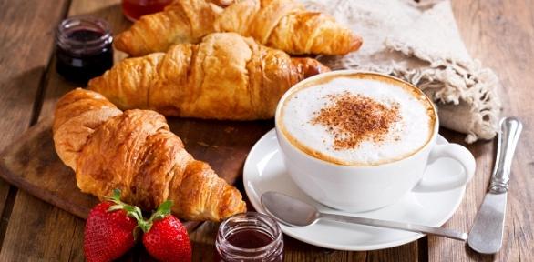 Кофе идесерт откофейни-кондитерской «Привет, десерт!»