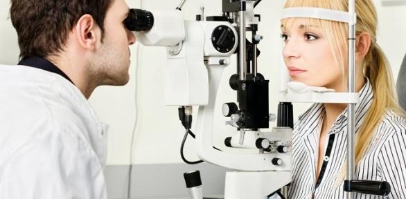 Проверка зрения всалоне «Оптик-Эксперт»