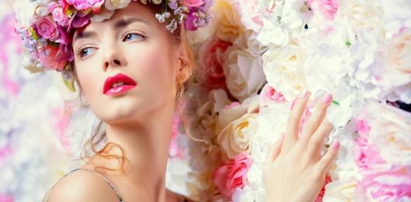 Процедуры поуходу закожей лица всалоне красоты Janine