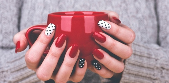 Маникюр ипедикюр, покрытие всалоне Natural Beauty Nails
