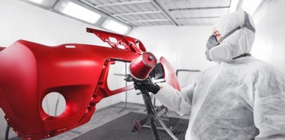 Покраска деталей автомобиля вцентре кузовного ремонта «Вега Авто»