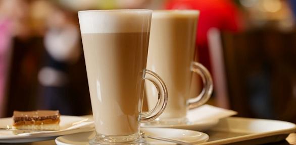 Чай или кофейный напиток идесерт навыбор вкафе «Топ-39»