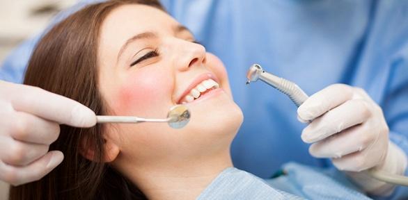Чистка, удаление зубов или лечение кариеса вклинике Rio+