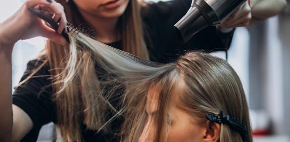 Стрижка, окрашивание иламинирование волос встудии красоты Kamilla
