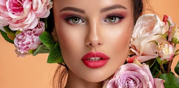 Оформление бровей вцентре красоты «Каталея»