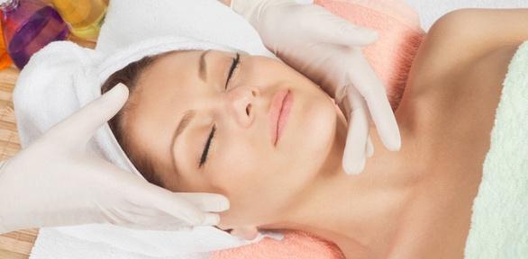 Чистка, пилинг или процедуры поуходу закожей лица встудии «Эволюшен»