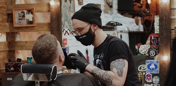 Мужская стрижка, окрашивание волос, уход забородой вбарбершопе «:КультЪ:»