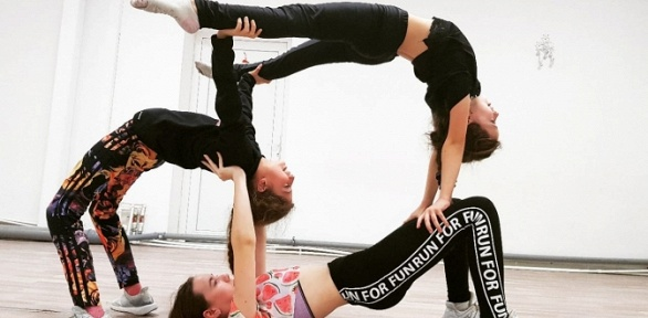 Групповые занятия танцами, акробатикой или гимнастикой встудии Exit Space