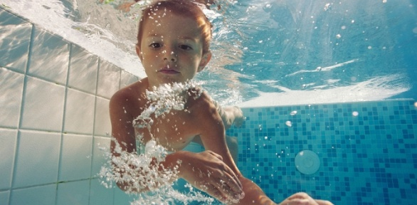 Индивидуальные занятия вбассейне для детей вцентре «Дельфин»