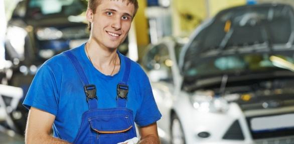 Замена технических жидкостей, диагностика автомобиля вцентре «Берег Авто»