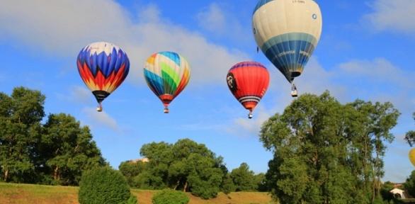 Полет навоздушном шаре вгруппе отклуба «Аэронавт Регион»