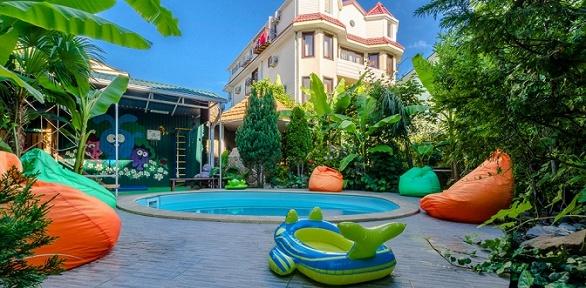 Отдых спосещением бассейна вотеле «Банановый рай»