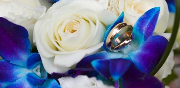 Букет изорхидей, гербер, тюльпанов или роз