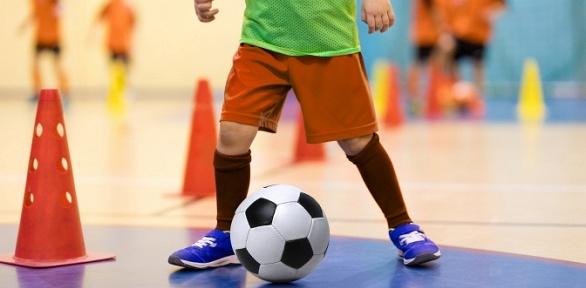 Занятия пофутболу для ребенка вшколе «Ангелболл»