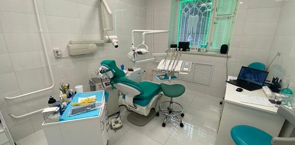 Чистка зубов, лечение кариеса, удаление зуба вклинике «СтомПрактик»