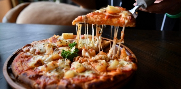 Все пиццы изменю отслужбы доставки «Инь-Янь» заполцены