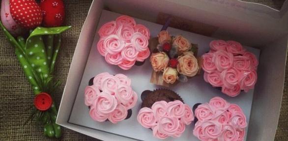 Набор капкейков, пирожных или торт