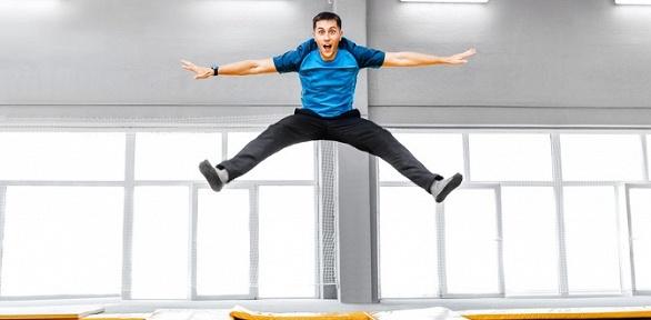 Прыжки набатутах вэкстрим-центре Coober