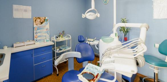 Чистка зубов, лечение кариеса встоматологии «Альдента»