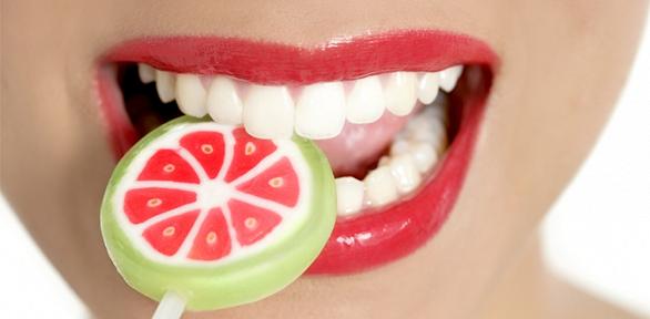 Чистка зубов, лечение кариеса встоматологии «Соланждент»