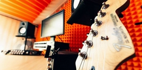 Уроки вокала, игры нагитаре ифортепиано отстудии «Лаборатория звука»