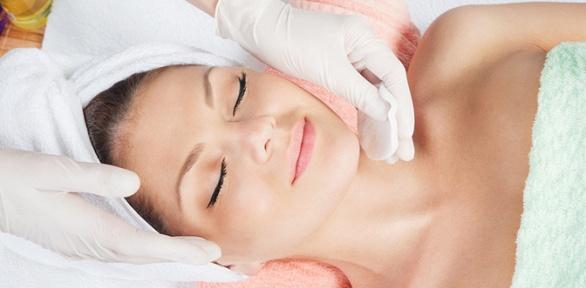 Чистка лица, процедура BBGlow Treatment, фотодинамическая терапия всалоне