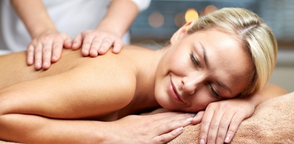 Сеансы массажа ифитосеансы вкедровой бочке вцентре «Энергия жизни»